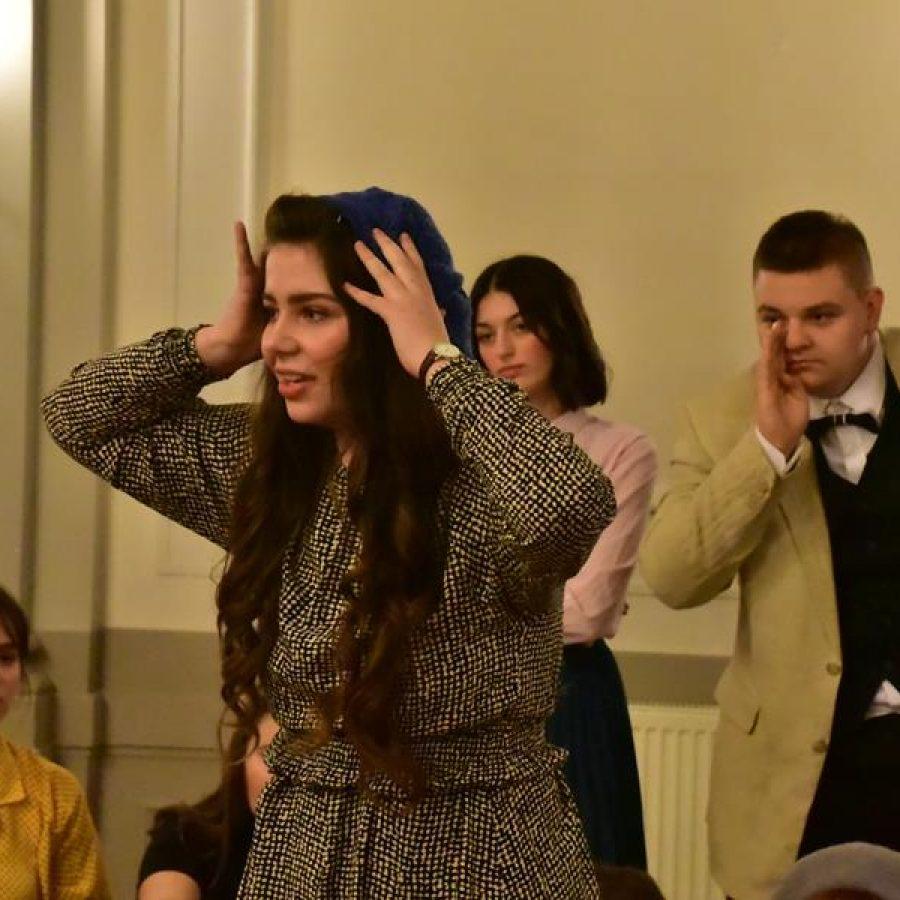 """Teatr Szkolny """"INCYDENT"""" przedstawia """"Bal w operze"""" w auli I LO, 16.12.2019 r."""