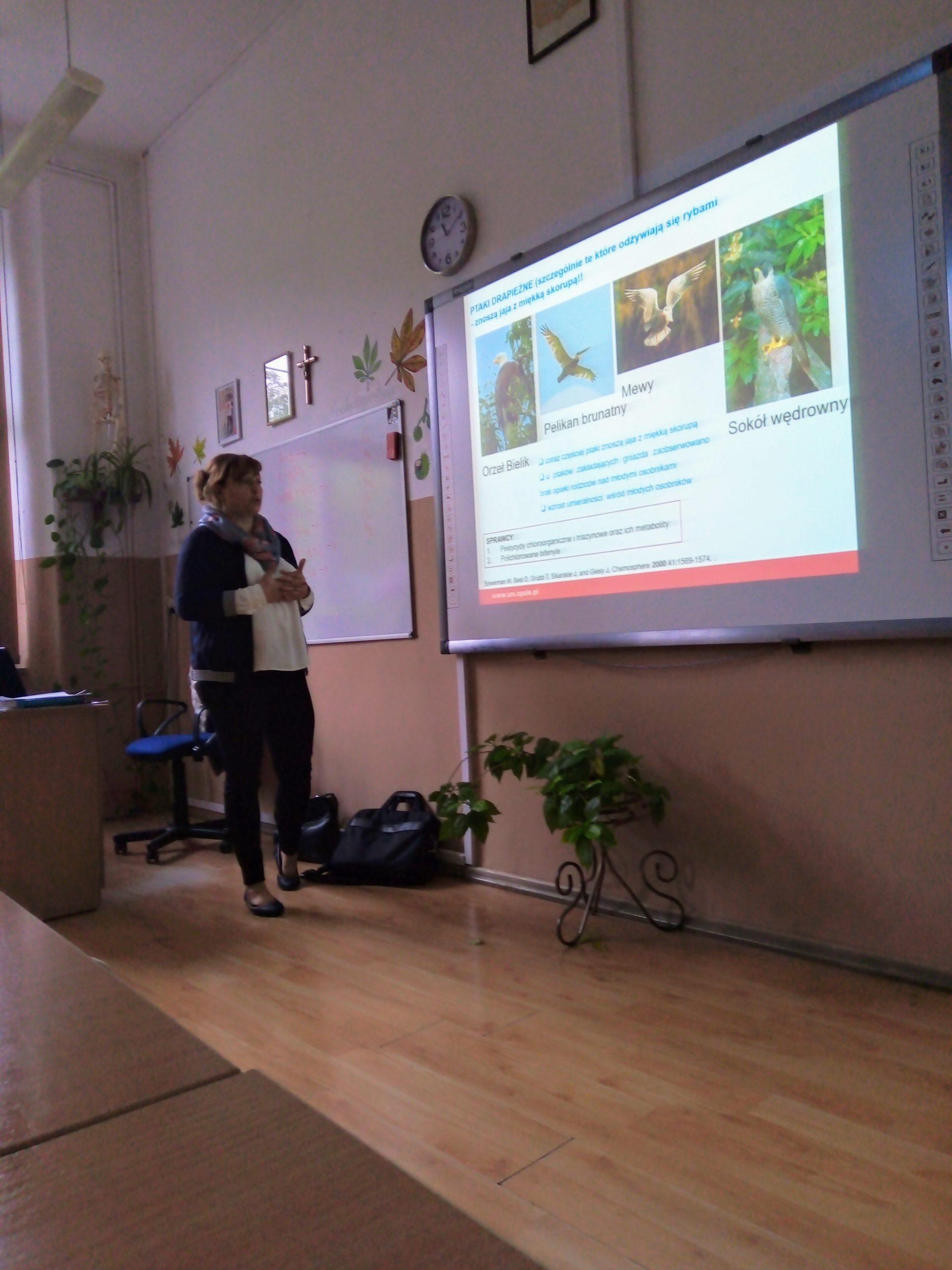 Wykład dr hab. Anny Poliwody, pracownika Wydziału Chemii UO w I LO